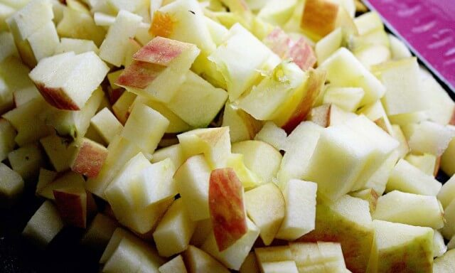 Apple cubes segments